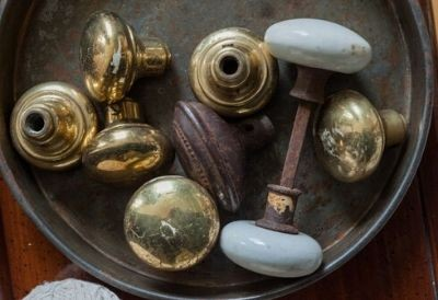 Door knobs through history